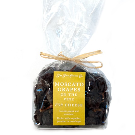 Moscato Grapes on the Vine for Cheese 125g