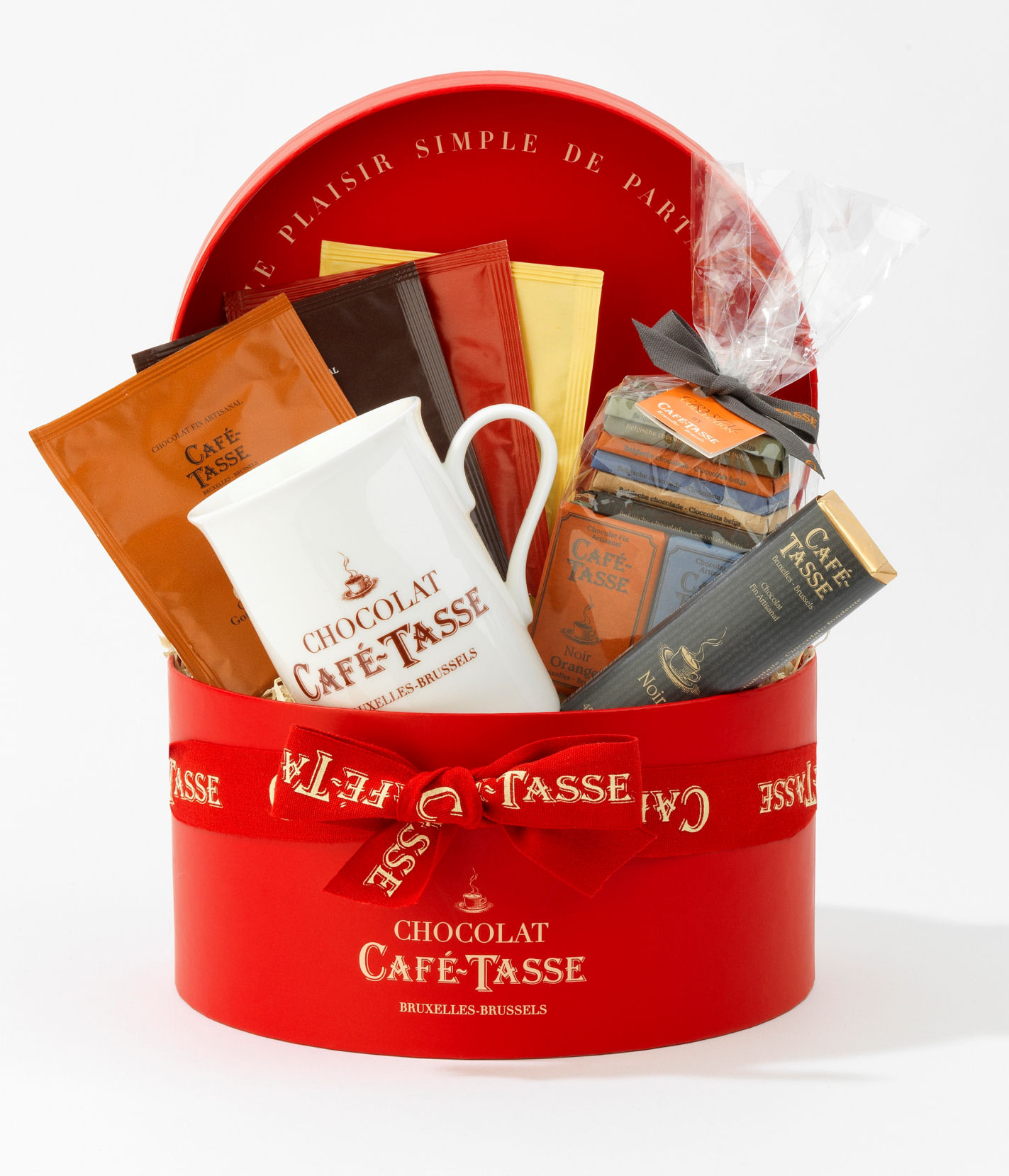 Cafe Tasse Red Hamper in Round Hat Box