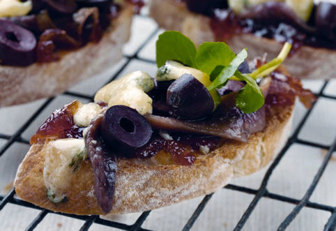 Tracklements Onion Marmalade 345g; ideal as a base for this tasty Bruschetta!