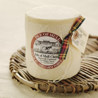 Isle of Mull Tobermory Cheddar Truckle 700g