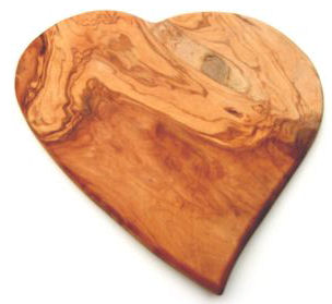 Seggiano Olive Wood Heart 500g (image 1)