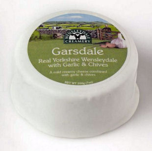 Wensleydale Garsdale Truckle - Garlic and Chive